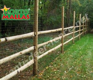 wall made with deer fence installed on garden